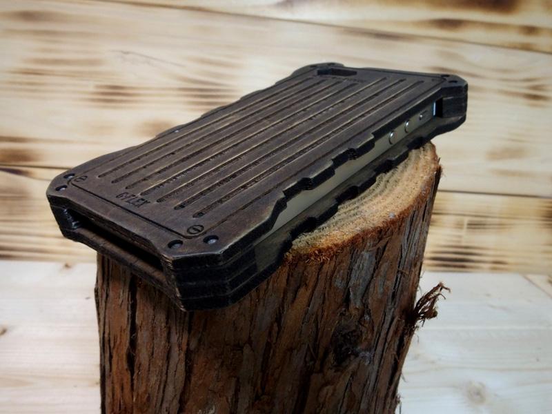iphone SE 木のケース