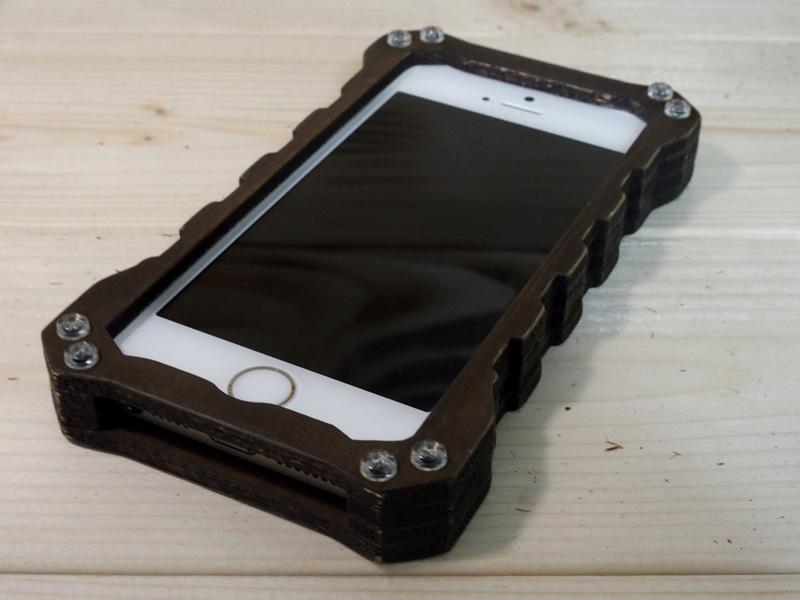 アイフォンSE かっこいいケース