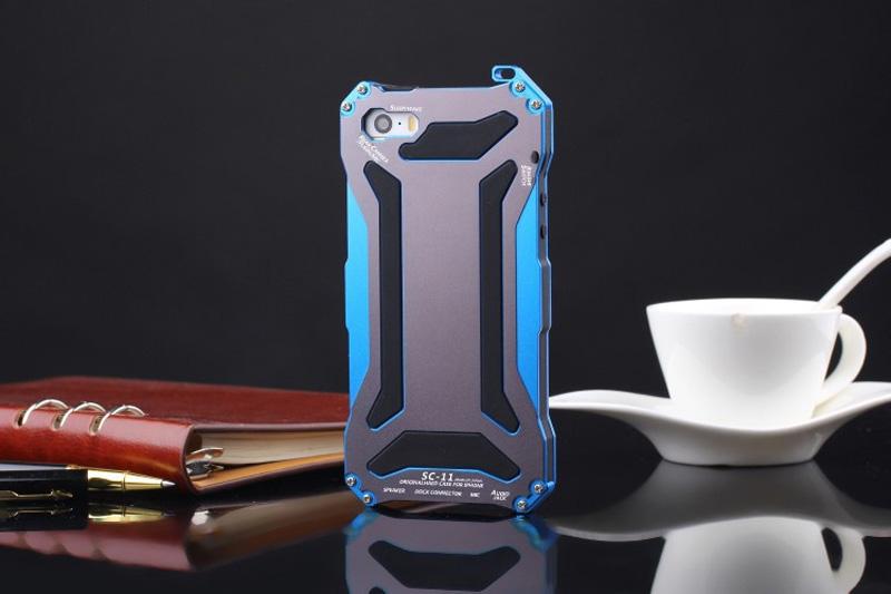 iphoneSE メタルケース
