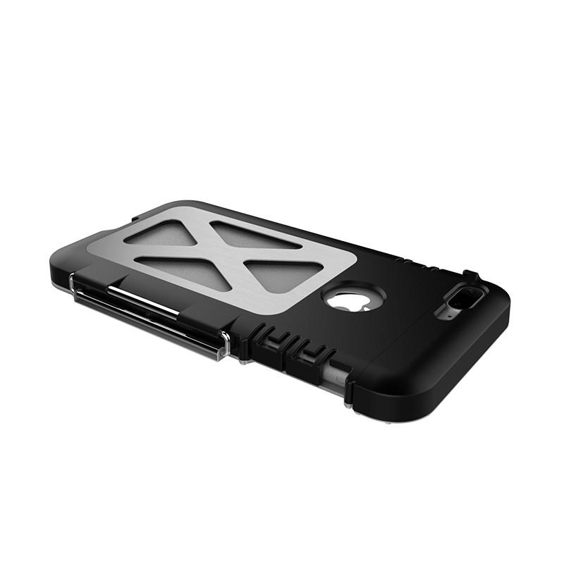 iPhone8 耐衝撃ケース メタルケース