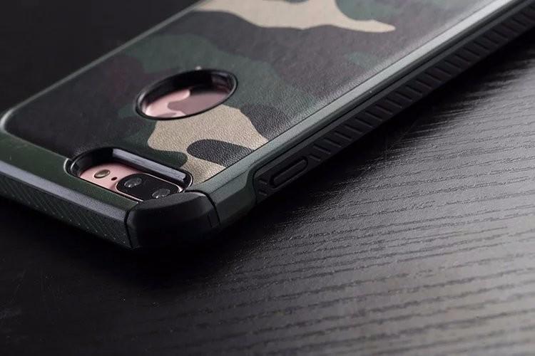 アイフォン7 plus 迷彩シリコン