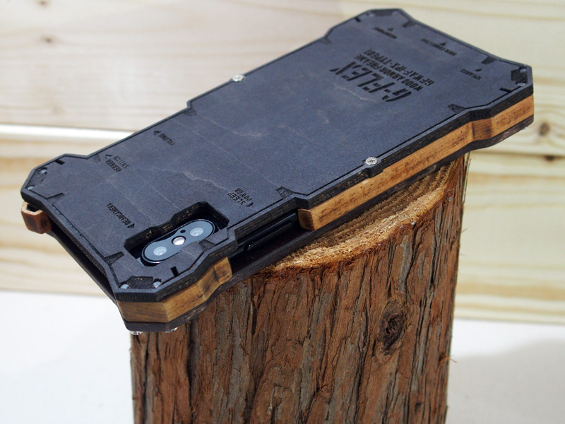 iPhone X 木のケース