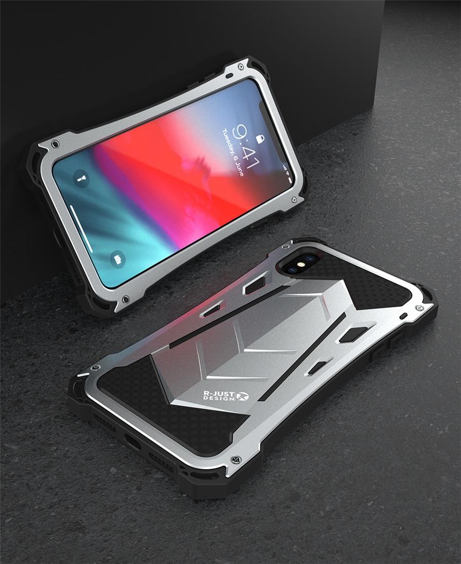 iPhone XR 耐衝撃メタルケース