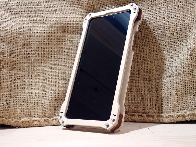 iPhone Xs 米軍規格