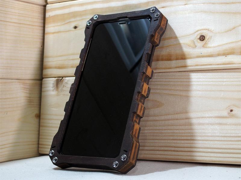 iPhone XR 木製ケース