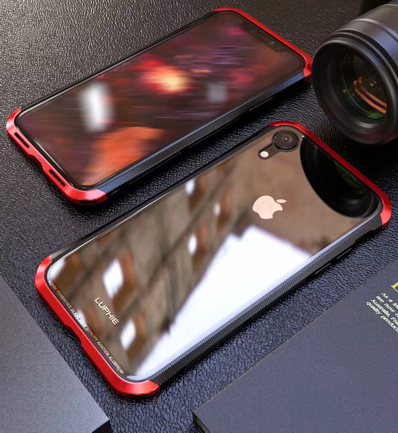iPhone XR メタルケース